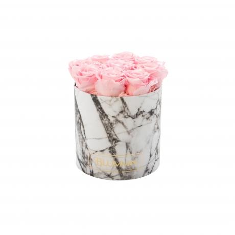 heleroosad magavad roosid valges marmorkarbis.jpg