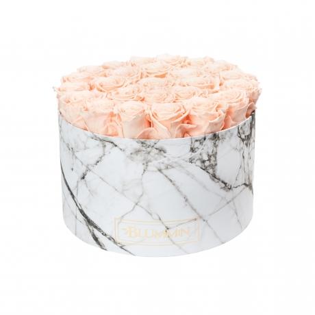 EXTRA LARGE valge marmorkarp PEACHY PINK roosidega.jpg