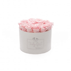 BABY GIRL - WHITE VELVET BOX WITH 15 BRIDAL PINK ROSES