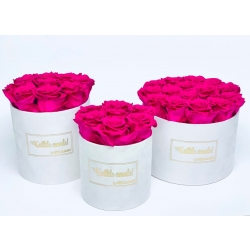 KALLILE EMALE WHITE VELVET BOX WITH HOT PINK ROSES