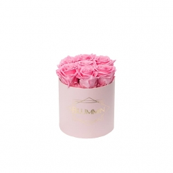 SMALL CLASSIC LIGHT PINK BOX WITH BABY PINK ROSES