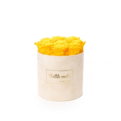 MEDIUM Kallile emale NUDE BOX WITH YELLOW ROSES