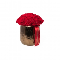 COPPER CERAMIC POT WITH 15-17 VIBRANT RED ROSES