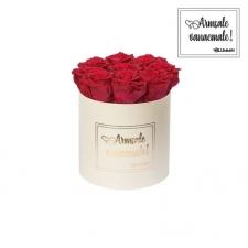 """MEDIUM """"ARMSALE VANAEMALE"""" - kreemikasvalge karp ROSEBERRY roosidega"""