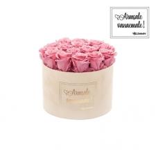 """LARGE """"ARMSALE VANAEMALE"""" - nude sametkarp VINTAGE PINK roosidega"""
