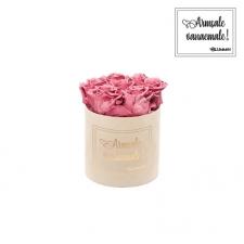 """SMALL """"ARMSALE VANAEMALE"""" - nude sametkarp VINTAGE PINK roosidega"""