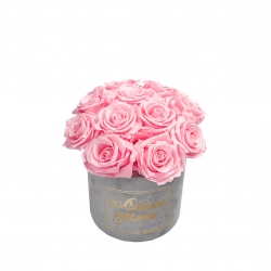 ЛЮБИМОЙ МАМОЧКЕ BOUQUET WITH 11 ROSES - SMALL LIGHT GREY VELVET BOX WITH BRIDAL PINK ROSES
