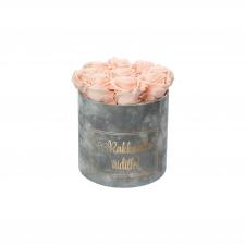 RAKKAALLE ÄIDILLE - MEDIUM LIGHT GREY VELVET BOX WITH PEACHY PINK ROSES