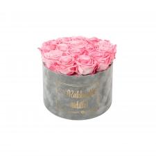 RAKKAALLE ÄIDILLE - LARGE LIGHT GREY VELVET BOX WITH CANDY PINK ROSES