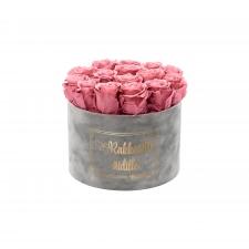 RAKKAALLE ÄIDILLE - LARGE LIGHT GREY VELVET BOX WITH VINTAGE PINK ROSES