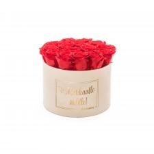 RAKKAALLE ÄIDILLE - LARGE CREAM VELVET BOX WITH RED ROSES