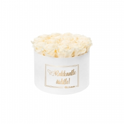 RAKKAALLE ÄIDILLE - LARGE WHITE VELVET BOX WITH CHAMPAGNE ROSES