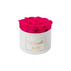 RAKKAALLE ÄIDILLE - LARGE WHITE VELVET BOX WITH HOT PINK ROSES