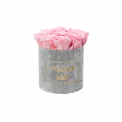RAKKAALLE ÄIDILLE - MEDIUM LIGHT GREY VELVET BOX WITH BRIDAL PINK ROSES