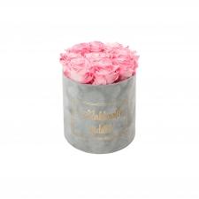 RAKKAALLE ÄIDILLE - MEDIUM LIGHT GREY VELVET BOX WITH CANDY PINK ROSES