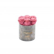RAKKAALLE ÄIDILLE - SMALL LIGHT GREY VELVET BOX WITH VINTAGE PINK ROSES