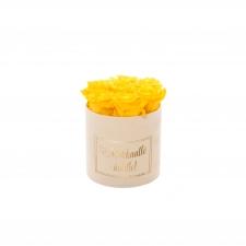 RAKKAALLE ÄIDILLE - SMALL CREAM VELVET BOX WITH YELLOW ROSES