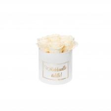 RAKKAALLE ÄIDILLE - SMALL WHITE VELVET BOX WITH CHAMPAGNE ROSES