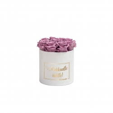 RAKKAALLE ÄIDILLE - SMALL WHITE VELVET BOX WITH LILAC ROSES