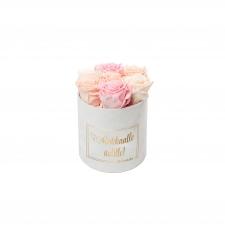 RAKKAALLE ÄIDILLE - SMALL WHITE VELVET BOX WITH MIX ROSES