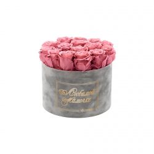 ЛЮБИМОЙ МАМОЧКЕ - LARGE (17 ROSES) LIGHT GREY VELVET BOX WITH VINTAGE PINK ROSES