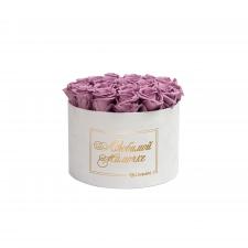 ЛЮБИМОЙ МАМОЧКЕ - LARGE (17 ROSES) WHITE VELVET BOX WITH LILAC ROSES