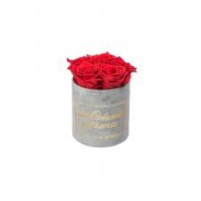 ЛЮБИМОЙ МАМОЧКЕ - MIDI LIGHT GREY VELVET BOX WITH VIBRANT RED ROSES