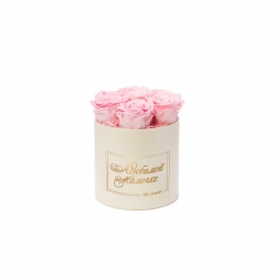 ЛЮБИМОЙ МАМОЧКЕ - SMALL CREAM WHITE BOX WITH BRIDAL PINK ROSES