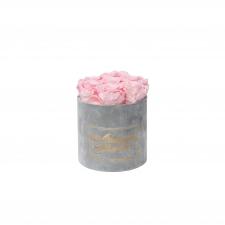 ЛЮБИМОЙ МАМОЧКЕ - SMALL LIGHT GREY VELVET BOX WITH BRIDAL PINK ROSES