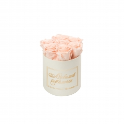 ЛЮБИМОЙ МАМОЧКЕ - SMALL CREAM WHITE BOX WITH PEACHY PINK ROSES