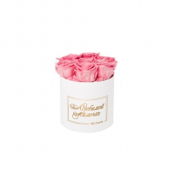 ЛЮБИМОЙ МАМОЧКЕ - SMALL WHITE BOX WITH BABY PINK ROSES