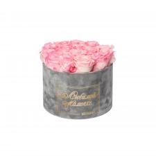 ЛЮБИМОЙ МАМОЧКЕ - LARGE (17 ROSES) LIGHT GREY VELVET BOX WITH LOVELY PINK ROSES