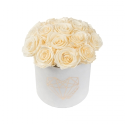 BOUQUET WITH 15 ROSES - MEDIUM LOVE WHITE VELVET BOX WITH PEARL CHAMPAGNE AND CHAMPAGNE ROSES