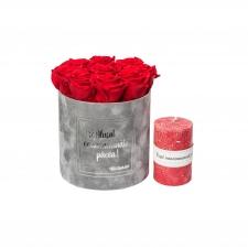 """KOMPLEKT """"ILUSAT VANAVANEMATE PÄEVA!"""" - Medium helehall sametkarp Vibrant red roosidega ja punase küünlaga"""
