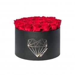 EXTRA LARGE LOVE BLACK BOX WITH VIBRANT RED ROSES
